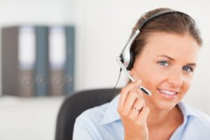 an-operator-supporting-a-customer